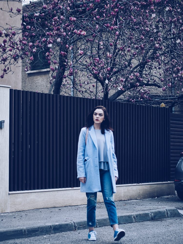 Baby blue outfit by Andreea Birsan
