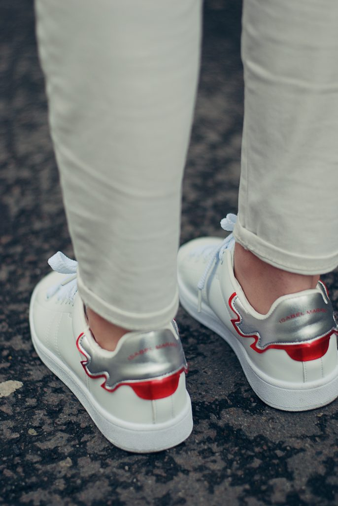 White jeans, white sneakers, spring outfit, spring trends by Andreea Birsan