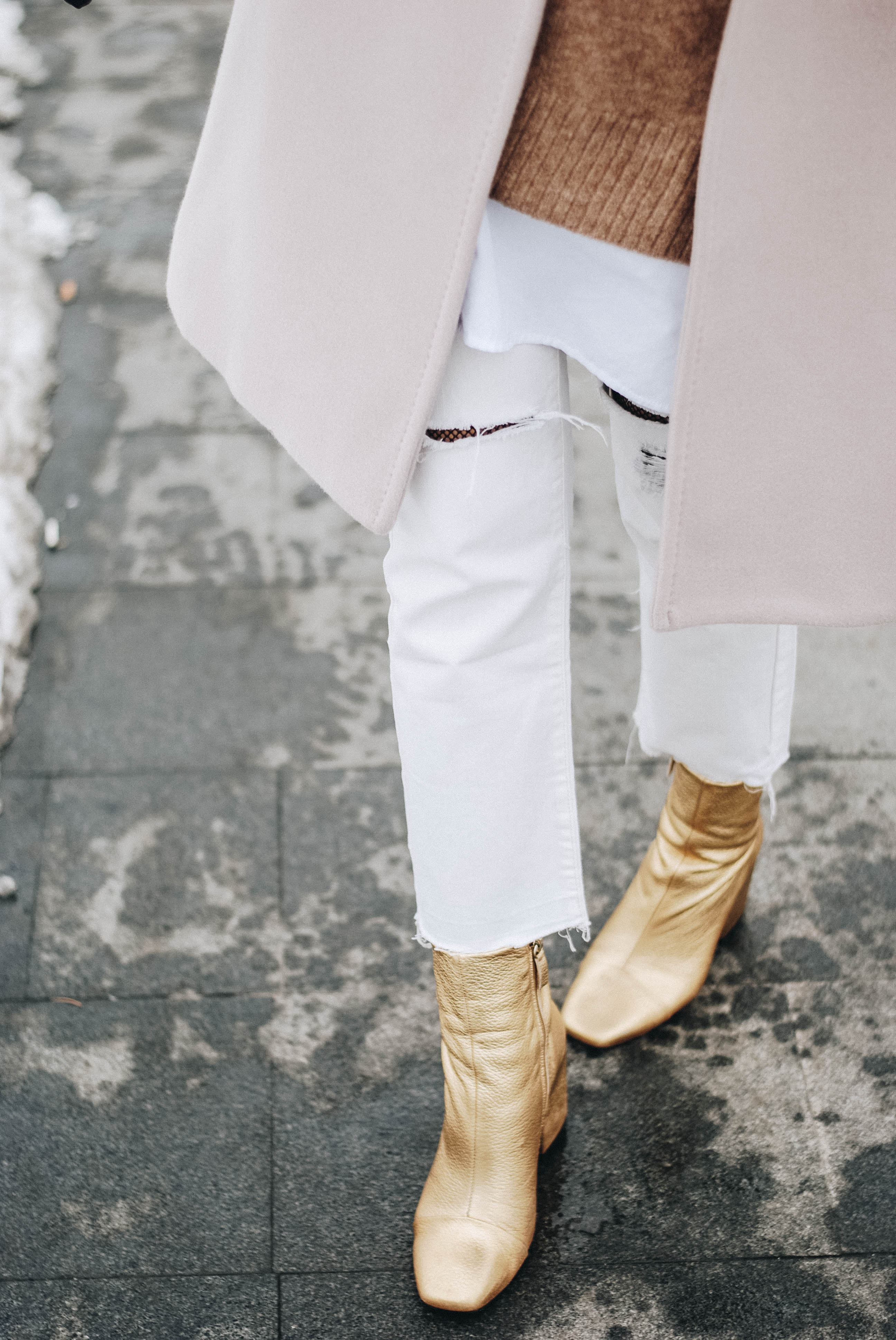 How To Wear White Jeans And Neutrals In Winter Couturezilla