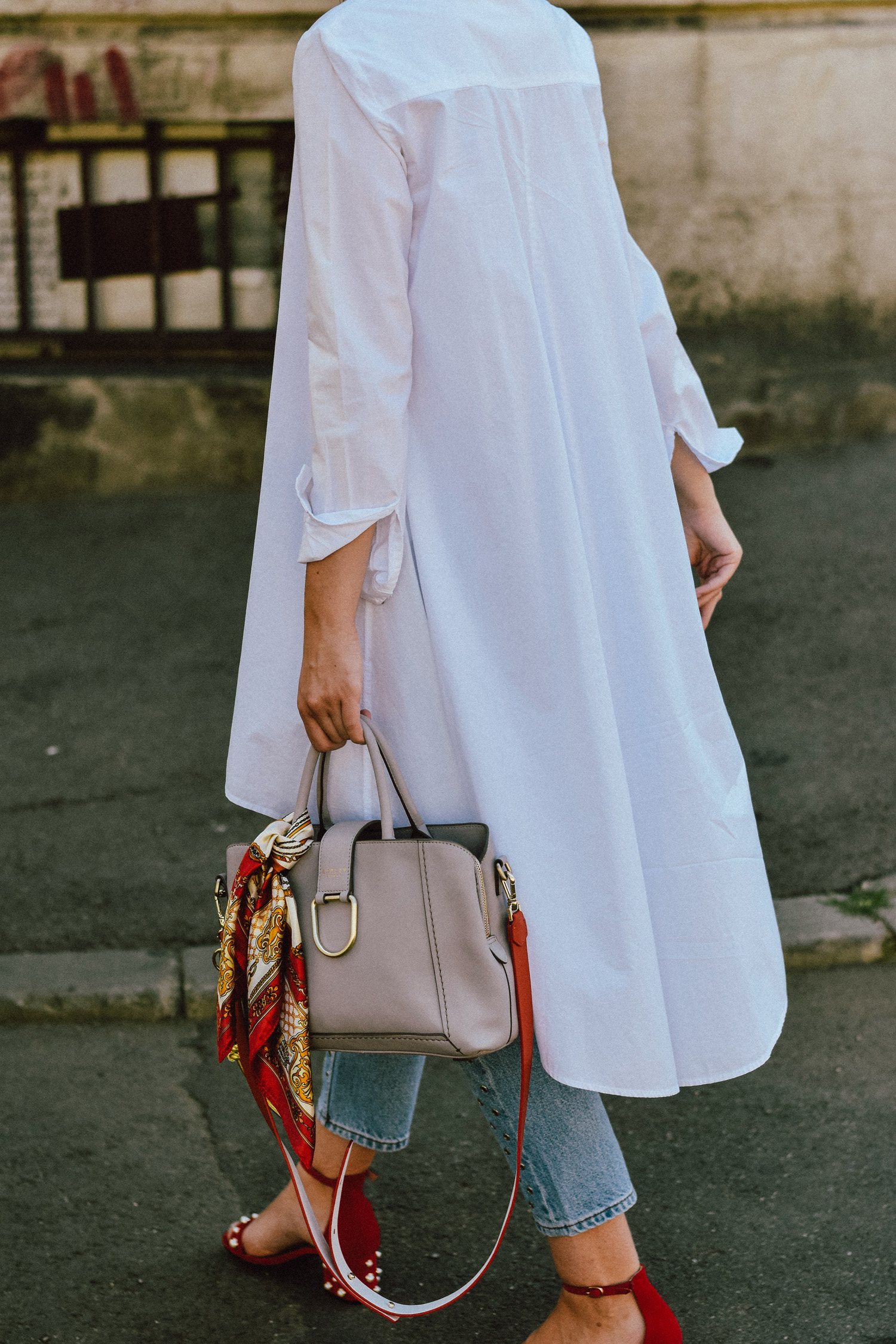 Where to find the perfect everyday bag couturezilla for High end white t shirts